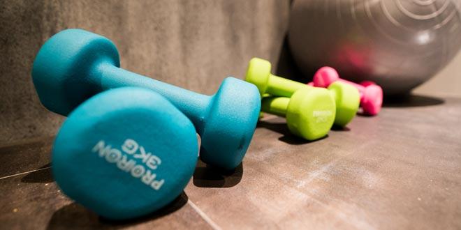 フリーウエイトトレーニングで理想の体型を手に入れる方法