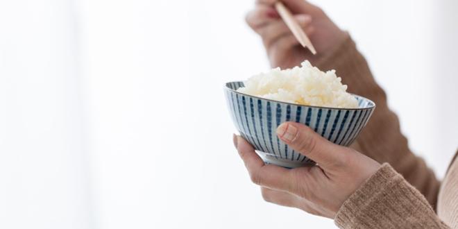 筋トレ中は糖質制限するべき?それともNG?トレーニング中の食事