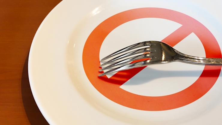 脂質制限と糖質制限、筋トレするときはどっちを優先すべき?