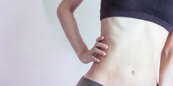 ニートゥチェストで下腹部を効果的に鍛えよう!正しいフォームを解説